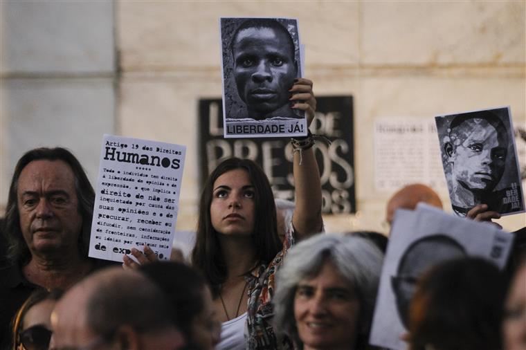 Vigília de apoio aos activistas detidos em Angola, em Lisboa