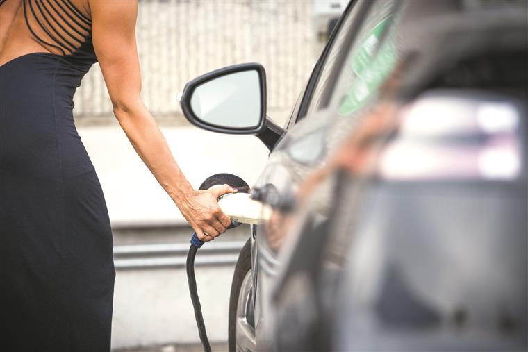 Do início do ano até Agosto só 58 portugueses beneficiaram do incentivo aos carros amigos do ambiente