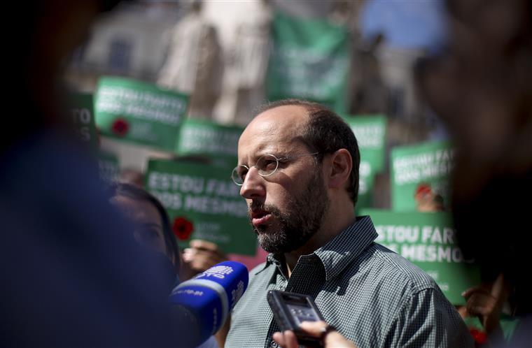 O ex-eurodeputado sublinhava o facto de a coligação Portugal à Frente poder não chegar à maioria absoluta