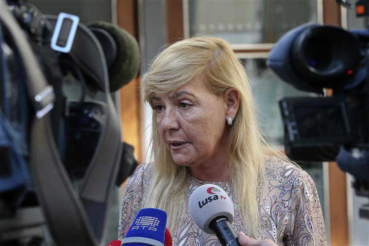 Caberá à ministra em exercício, Paula Teixeira da Cruz, intervir na cerimónia em representação do primeiro-ministro