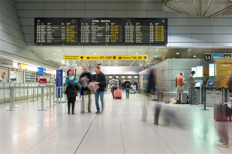 O aeroporto da Portela, em Lisboa, é o 22.º com maior tráfego de passageiros na UE
