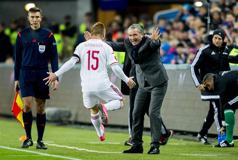 Na noite do jogo 100 pela Hungria, Király está a piscar o olho à participação no Euro com 40 anos