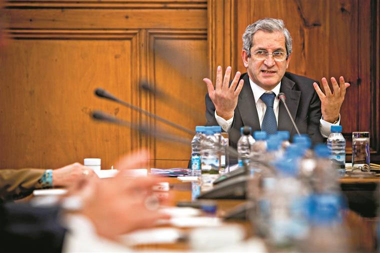 Ainda sem saber quem é o seu sucessor, Tavares admite voltar à banca