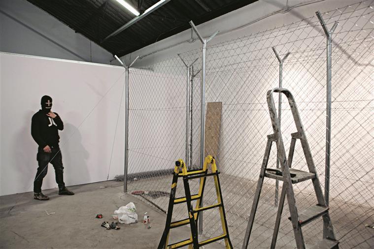 O projecto Mais Menos foi criado no Porto em 2005 no fim do curso de Design de Comunicação