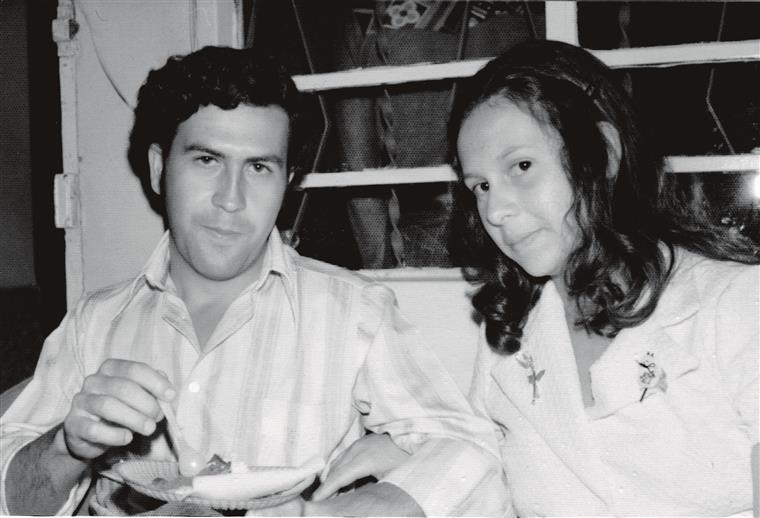 Pablo e Victoria conheceram-se no bairro da La Paz de Envigado. Ele tinha mais 11 anos que ela