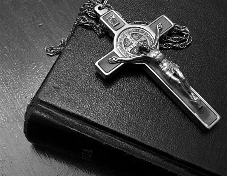 8e499f171 O demónio, os malefícios e os exorcismo explicados em 20 perguntas e  respostas