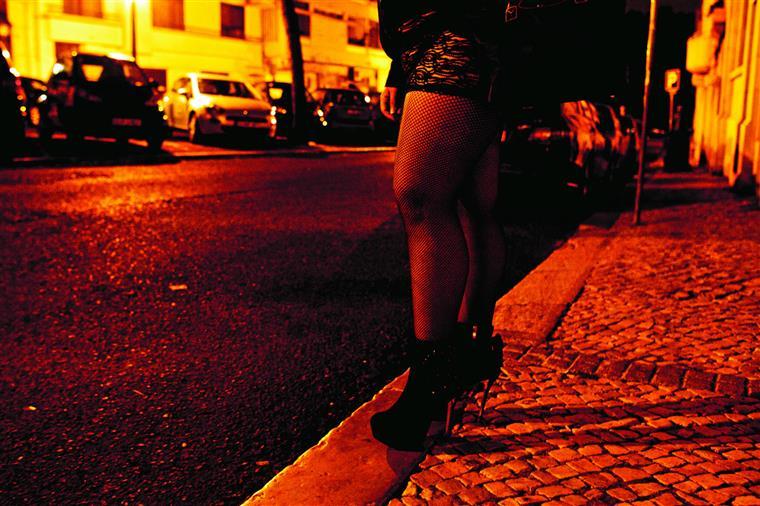 Legalizar a prostituição não é um assunto consensual na Europa, onde uns países optaram pela criminalização do recurso a serviços sexuais e outros se lançaram na legalização da actividade