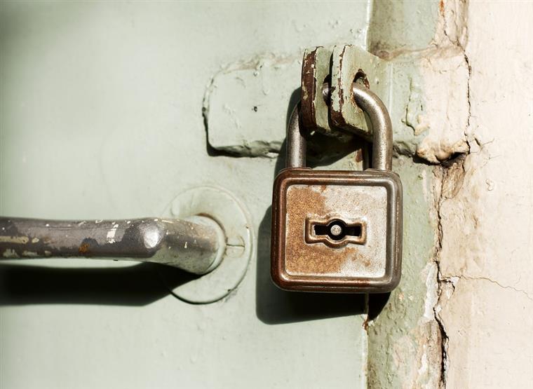 GNR encontrou o homem fechado numa cave com uma porta de ferro, fechada a cadeado