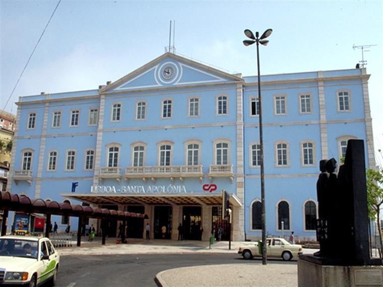 A estação é o lugar central no fim trágico do romance Os Maias, de Eça de Queirós