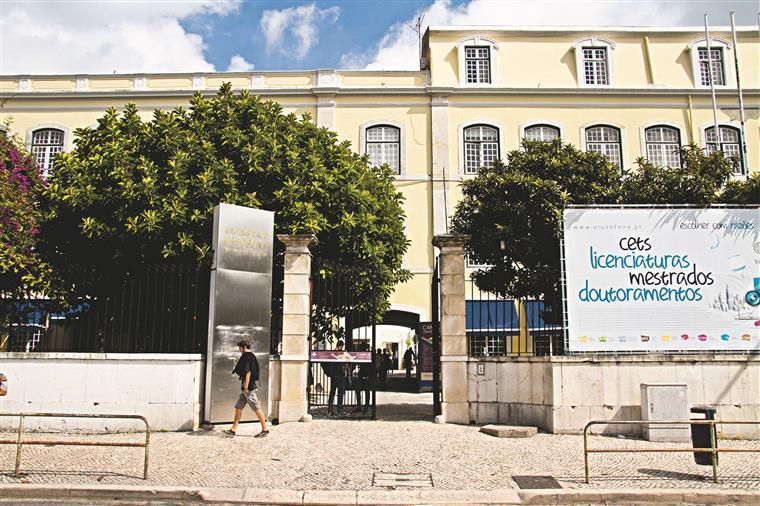 """O número de alunos na Universidade Lusófona caiu a pique desde 2011, sobretudo depois do chamado """"caso Relvas"""""""