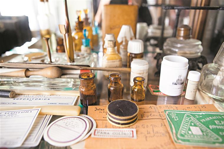 A homeopatia é um sistema de tratamento fundamentado pelo médico alemão Samuel Hahnemann