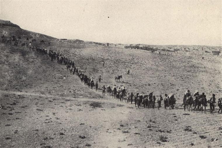 A posição oficial da Turquia é a de que as mortes de milhares de arménios em 1915 foram consequências das ramificações da I Guerra Mundial