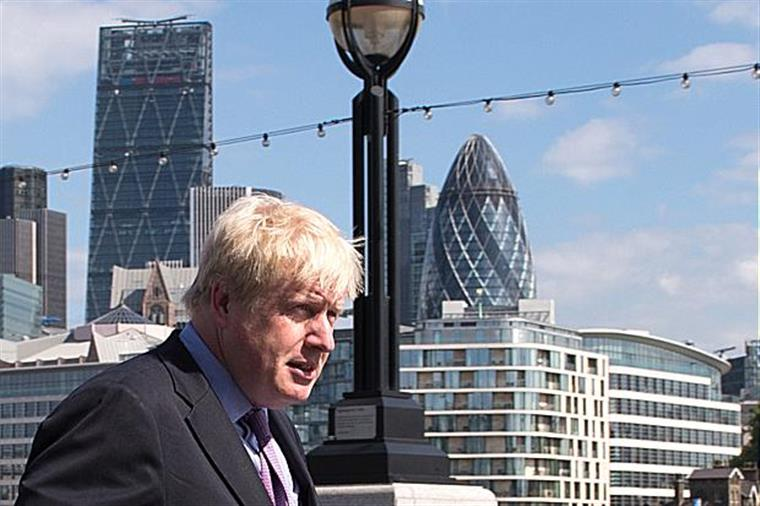 Boris Johnson contraria posição de David Cameron