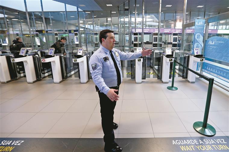 Ministério da Administração Interna vai recorrer a empresas privadas de vigilância para cinco organismos sob a sua tutela