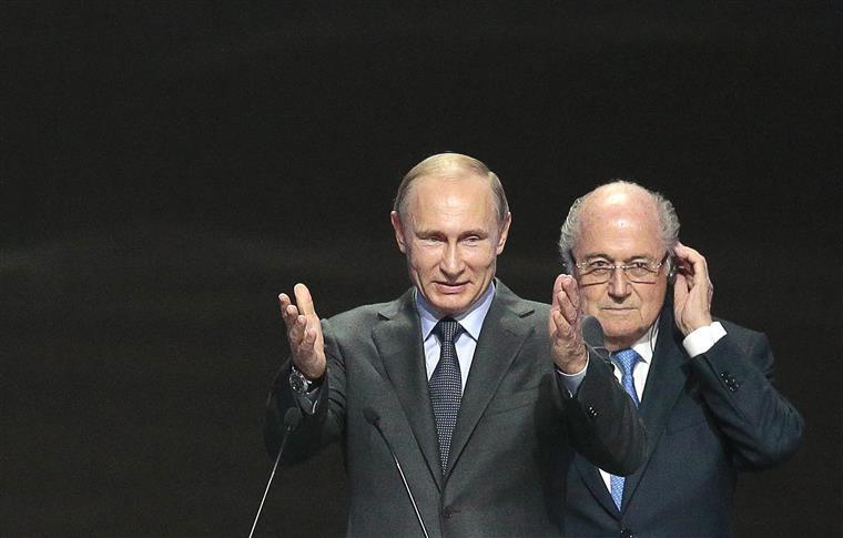 Apesar da demissão Blatter  diz estar de consciência tranquila