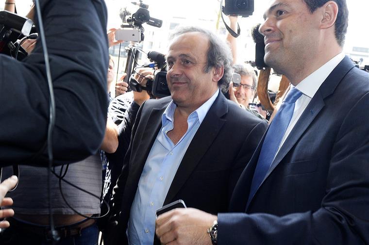 Aos 60 anos, Platini quer o lugar de Blatter