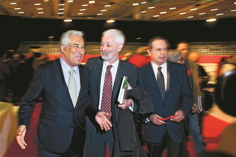 Carlos César admitiu que PS pode ter liberdade de voto