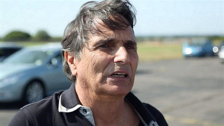 Piquet foi questionado se realmente tinha mostrado o dedo do meio a Senna depois de completar a manobra