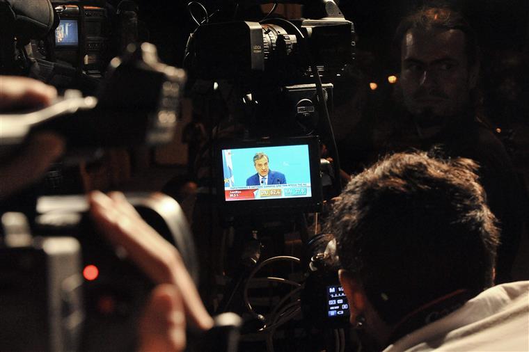 """Samaras fez campanha pelo """"Sim""""  e saiu derrotado"""