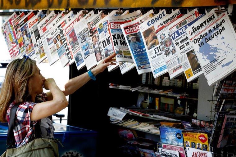 As gráficas na Grécia não costumam ter papel em 'stock' para várias semanas