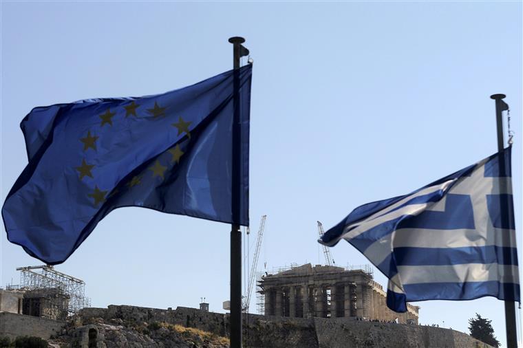 O ministro das Finanças grego, Euclides Tsakalotos, anunciou o acordo hoje