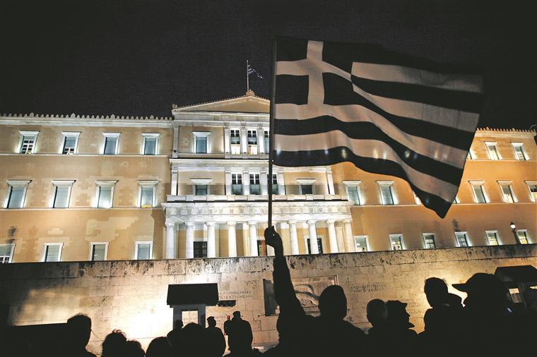 A confirmar-se o avanço de eleições antecipadas, será a 12.ªvez que os gregos são chamados às urnas em apenas seis anos