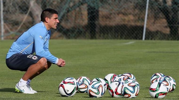 Ena pá, tantas bolas para o Maxi assistir os novos amigos do Porto