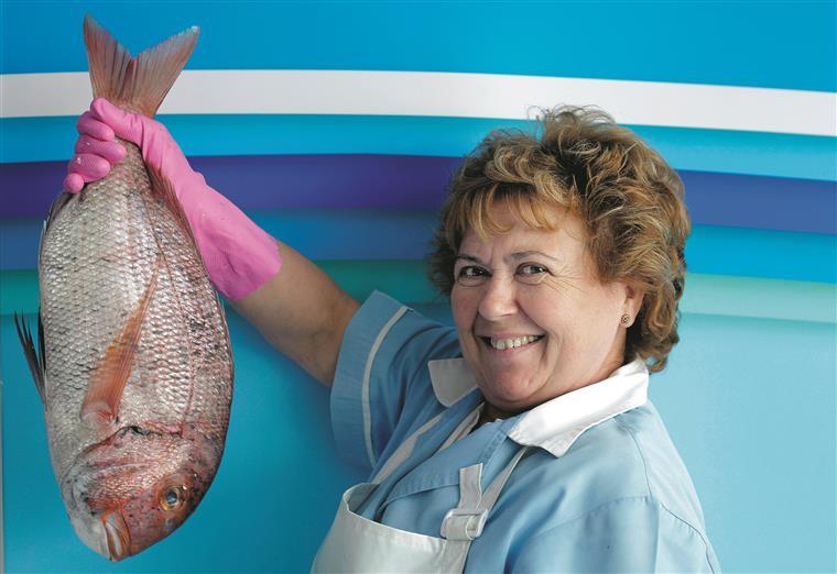 Açucena Veloso é amiga do peixe. Nota-se na conversa e nos olhos quando fala dele