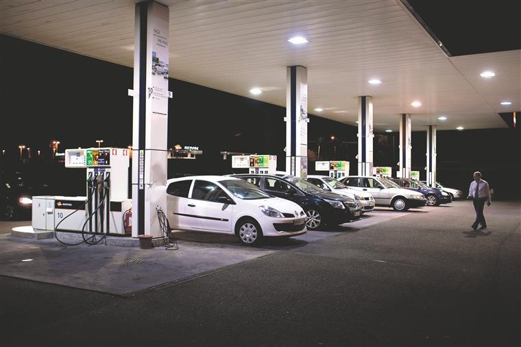 Os preços dos combustíveis deverão manter a tendência de queda com a desaceleração da economia chinesa,