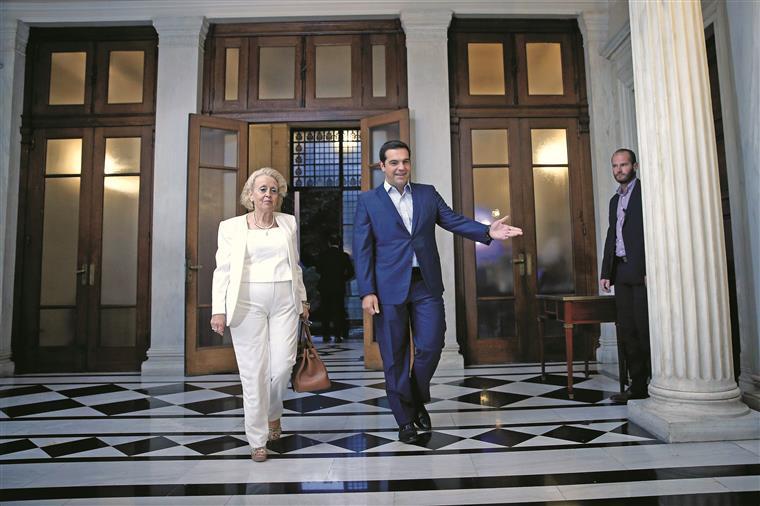 Vassiliki Thanou foi nomeada ontem primeira-ministra interina da Grécia, sucedendo a  Alexis Tsipras