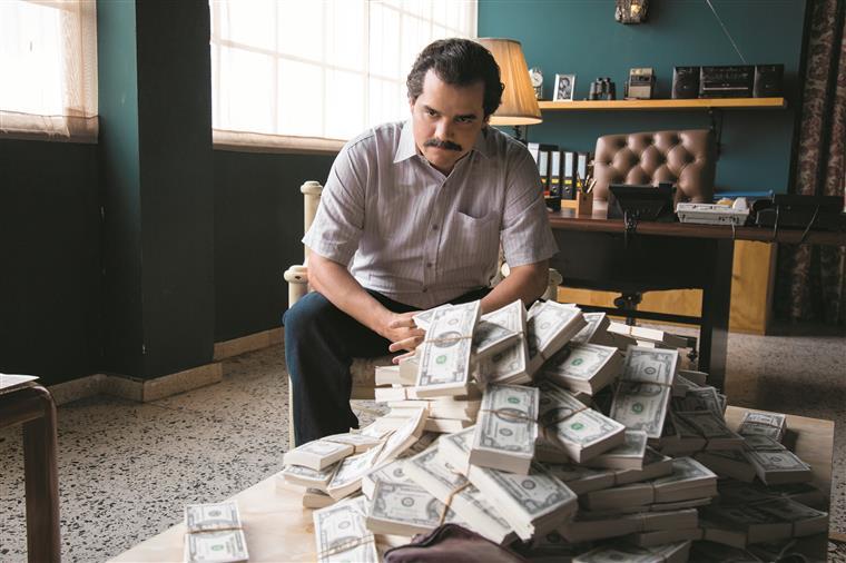 Wagner Moura é Pablo Escobar.Dinheiro é dinheiro
