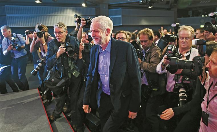 Ala esquerda do PS festeja vitória de Corbyn mas alguns socialistas temem mais uma desilusão