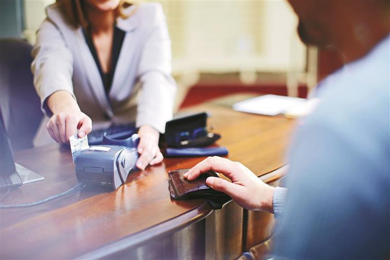 Se pagar as despesas a 100%, é preferível em alguns casos optar pelo cartão de crédito