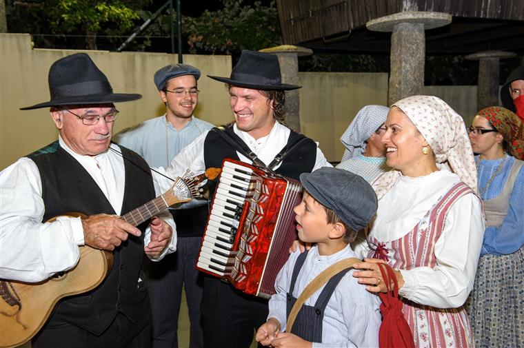 A família Oliveira ganhou cem anos de electricidade