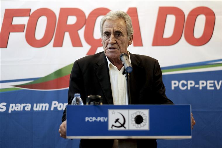 """No comunicado que na segunda--feira produziu, o PCP considerou as notícias """"difamatórias"""""""