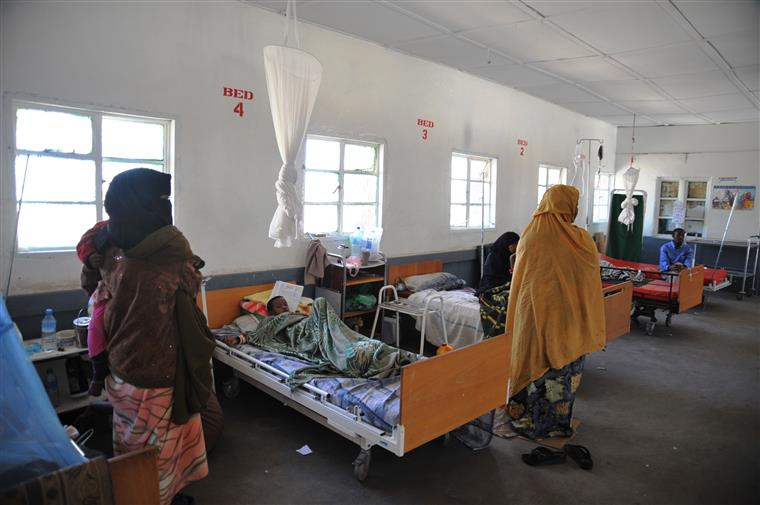 Os islamitas somalis dos 'shebab' ocuparam temporariamente a base ugandesa da missão da Amisom, em Janale