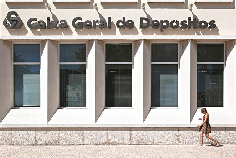 Empréstimo foi concedido para financiar vários projectos da Fundação Social do Quadro Bancário