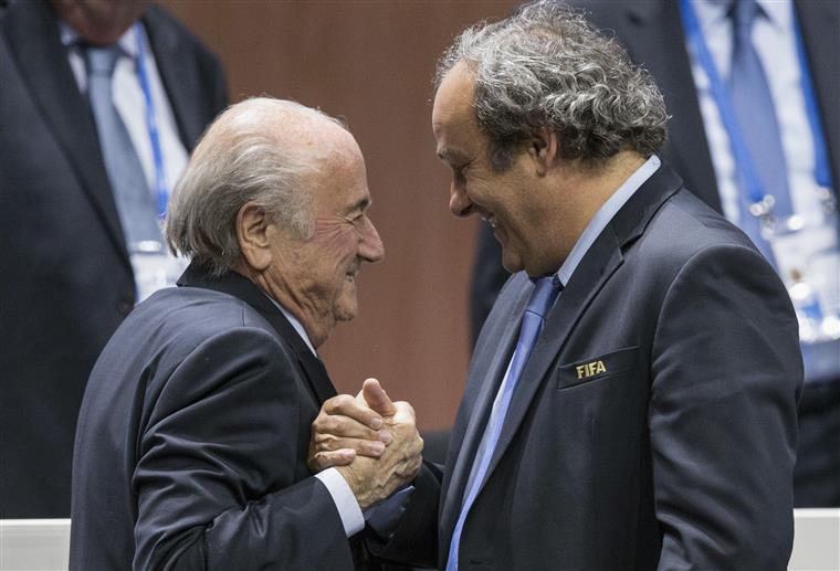 Blatter com Platini, FIFA com UEFA