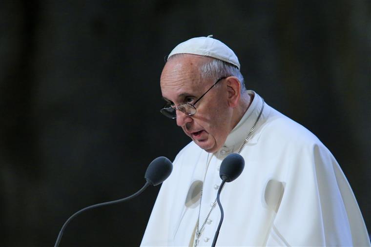 """Papa condenou """"a colonização ideológica"""" que impõe """"aos povos modelos de vida anormais e irresponsáveis"""""""