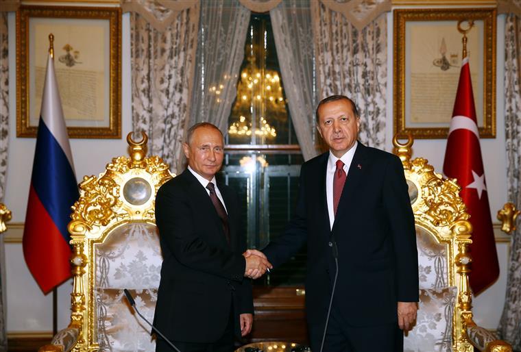 Relações estavam fragilizadas desde o abate de um avião russo por dois caças turcos, em 2015