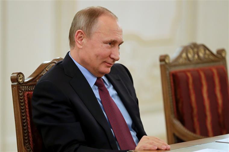 Vladimir Putin e Donald Trump trocaram elogios durante a campanha eleitoral norte-americana