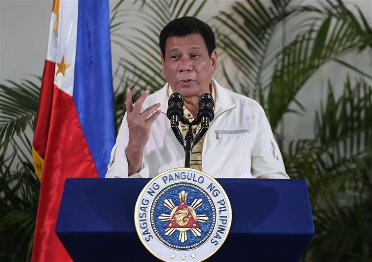 Não é a primeira vez que presidente das Filipinas confessa um crime