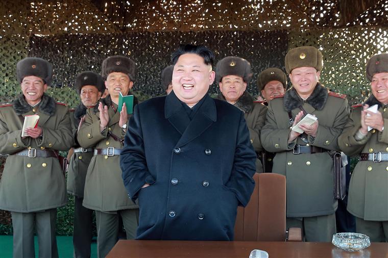 Kim Jong-un tem milhares de informáticos a trabalhar para si