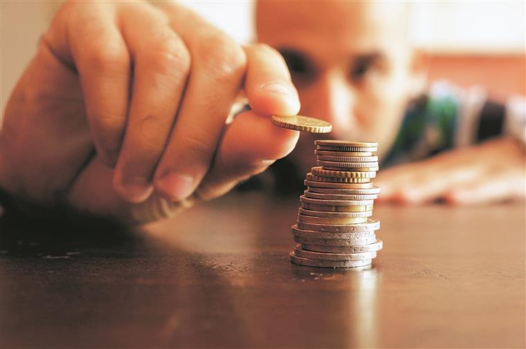 Será necessário investir pelo menos mil euros na nova aplicação de poupança do Estado