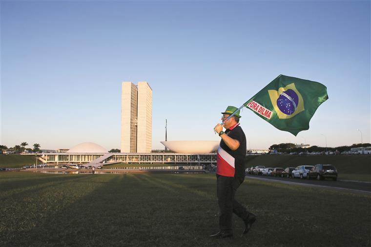 Já em 2015, a economia brasileira tinha registado o pior resultado dos últimos 25 anos