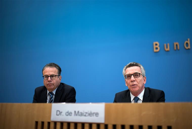 Ministro Thomas de Maizière apresentou os dados migratórios de 2016