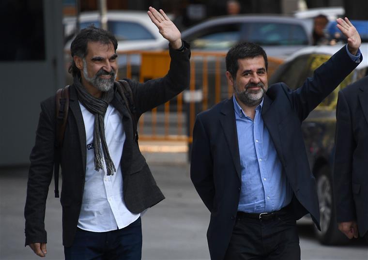 Os dois líderes independentistas, à chegada de Madrid