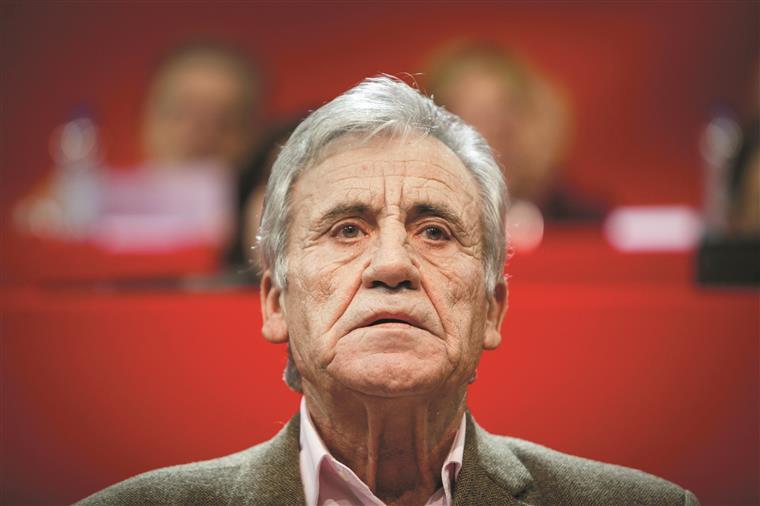 Líder do PCP lamenta resultados da CDU nas autárquicas