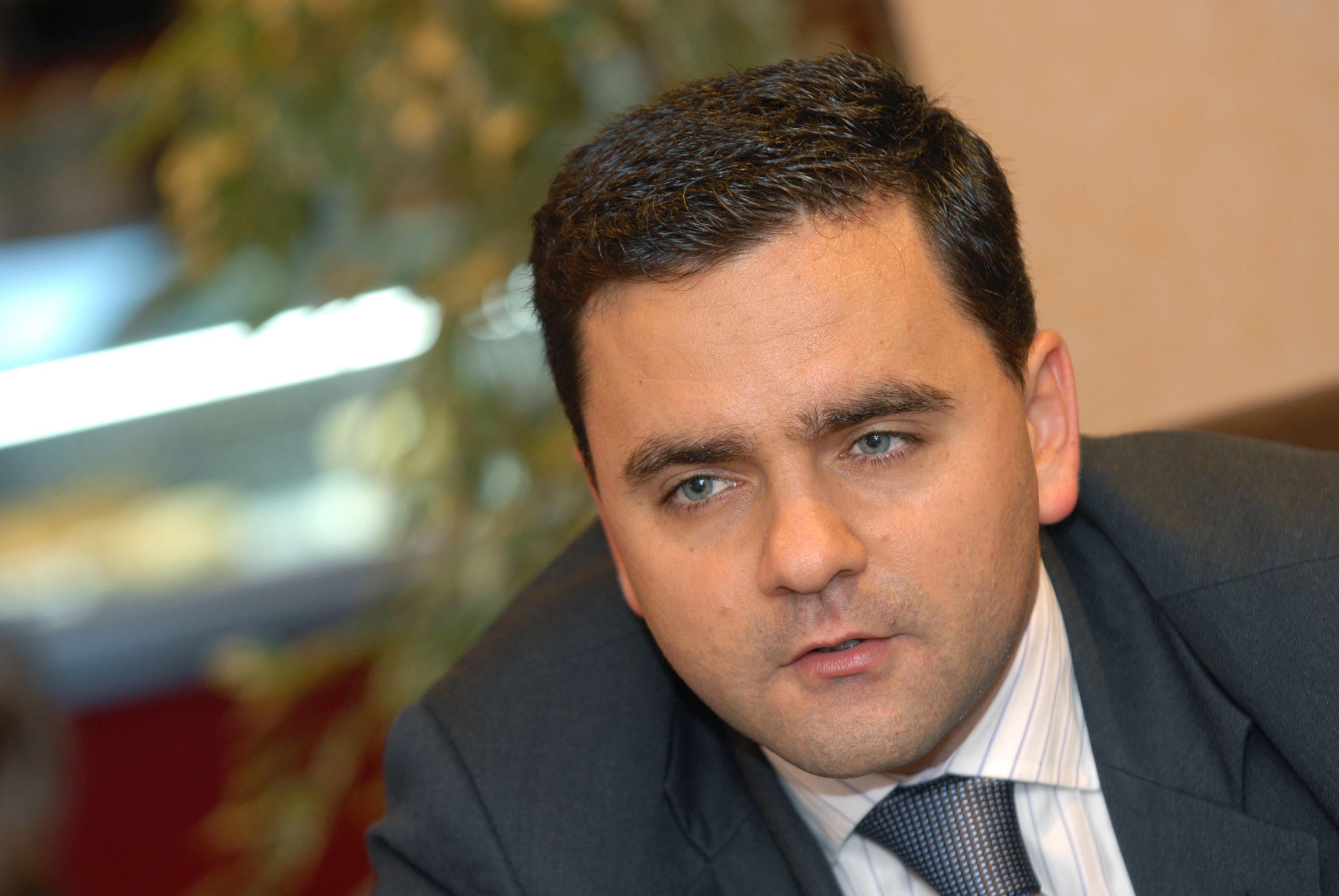 Governo admite tomar posse do SIRESP
