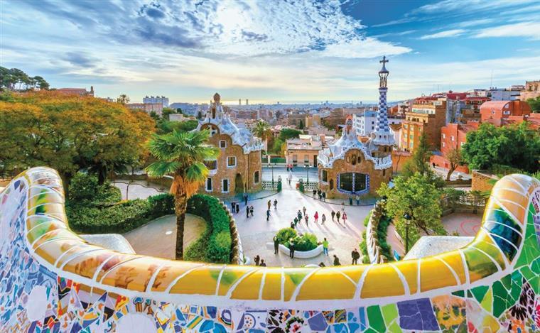 Turismo na Catalunha já caiu 15% desde o referendo
